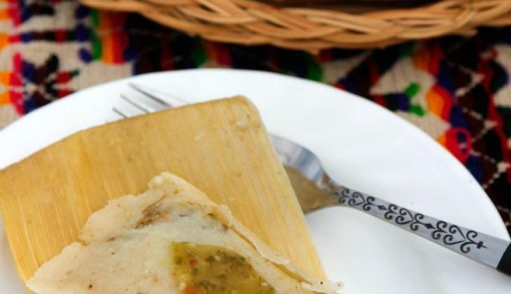 Tamales de Puerco en Salsa Verde