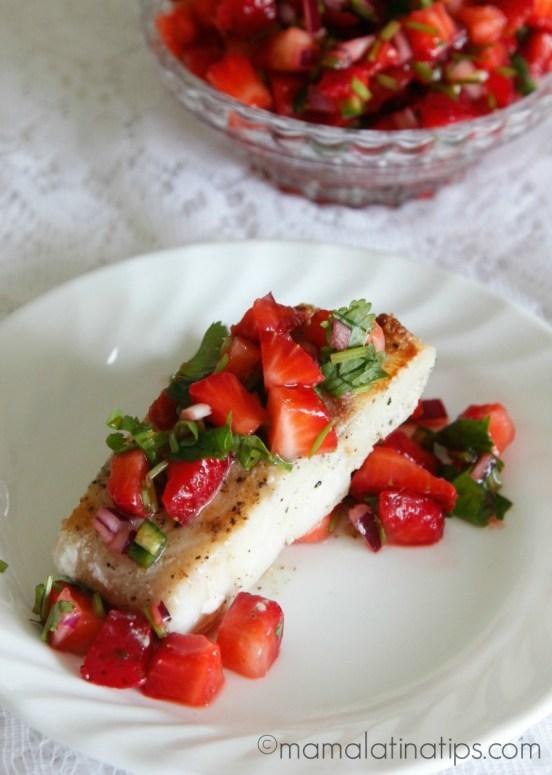 Seared Cod with Strawberry Salsa - mamalatinatips.com
