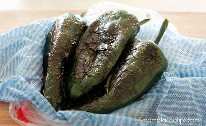 Como pelar chiles poblanos - mamalatinatips.com