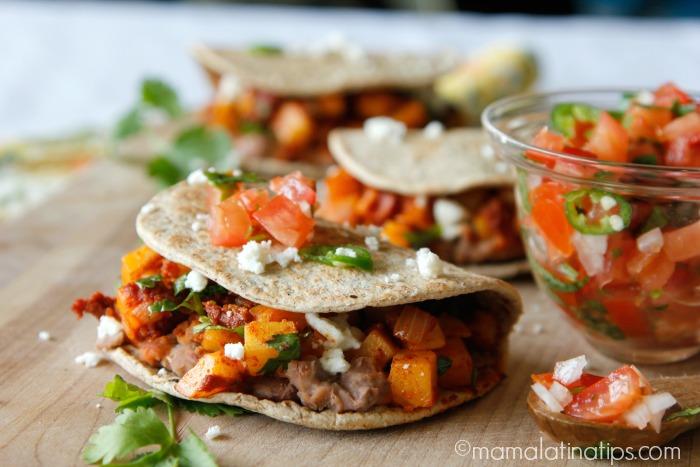 Sándwich de papas con chorizo by mamalatinatips.com
