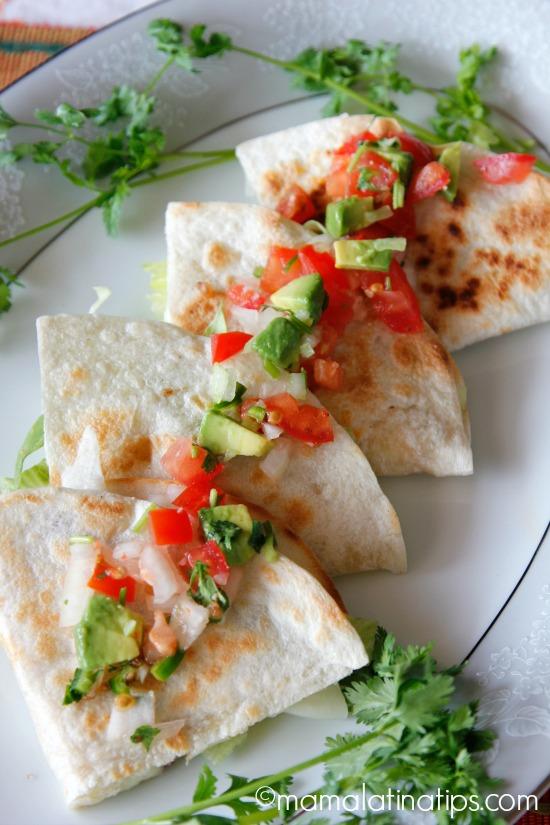 qb-quesadilla-bar-mamalatinatips-5