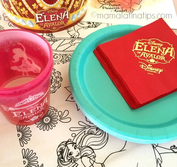 Vasos de Elena of Avalor y platos color turquesa - mamalatinatips.com