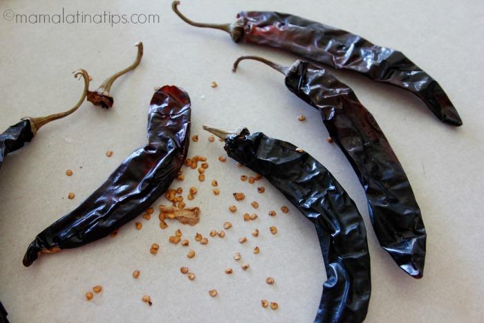 guajillo-peppers-mamalatinatips