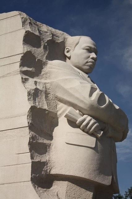 Martin Luther King Jr. Memorial in Washington, DC - mamalatinatips.com