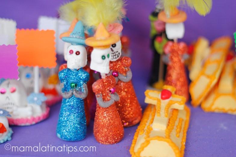 Figuras de alfeñique de Día de Muertos