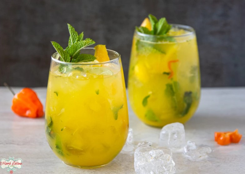 habanero mango mojito in two glasses