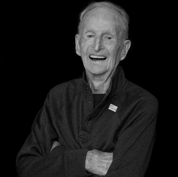 Black and white picture of a male senior citizen