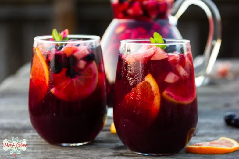 pomegranate-blueberry sangría mocktail in two glasses