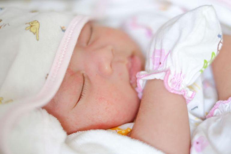 pasgeboren baby   geen bezoek meteen na de bevalling als wens