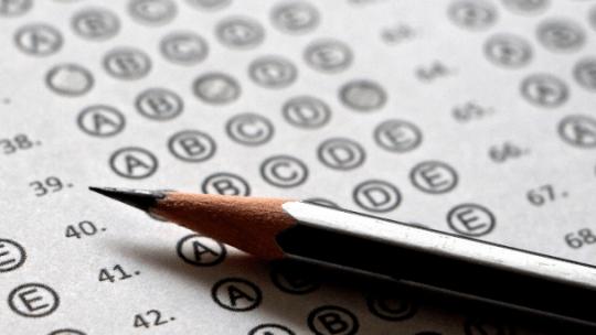Heb jij een eindexamenkandidaat in huis? Vraag jij je als ouder af hoe je je kind kunt ondersteunen met de eindexamens? Wij geven je vijf praktische tips.