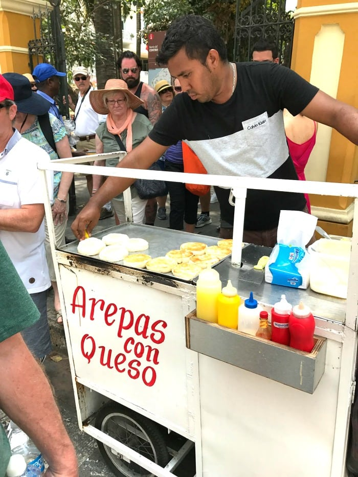 street arepas con queso en cartagena colombia