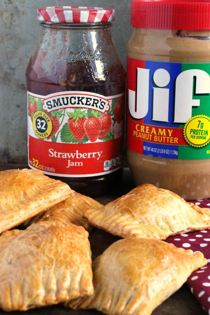 HAND PIES WITH PEANUT BUTTER AND JELLY
