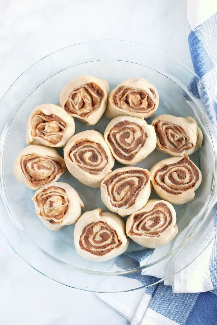 HOW TO MAKE CINNAMON ROLL CRESCENT ROLLS
