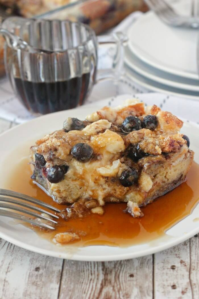EASY BLUEBERRY FRENCH TOAST