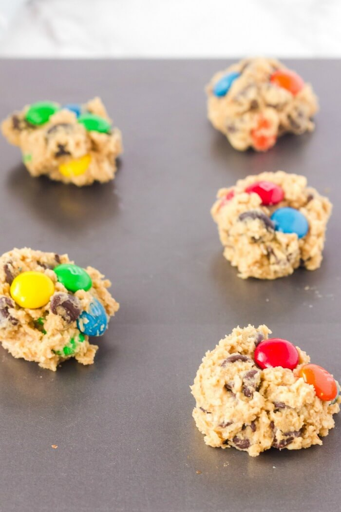RECIPE FOR MONSTER COOKIES WITH OATMEAL AND PEANUT BUTTER