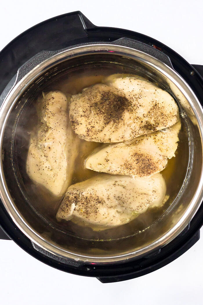 HOW TO MAKE SHREDDED CHICKEN IN INSTANT POT