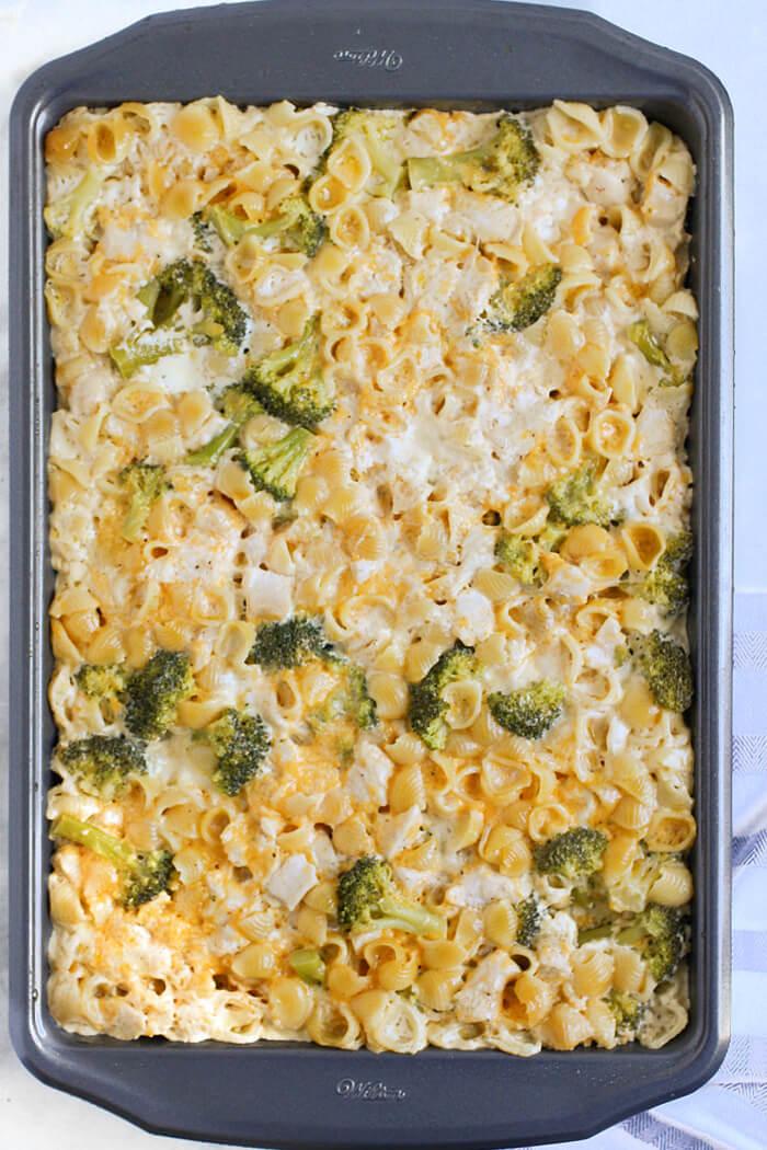 BROCCOLI MAC AND CHEESE CASSEROLE RECIPE