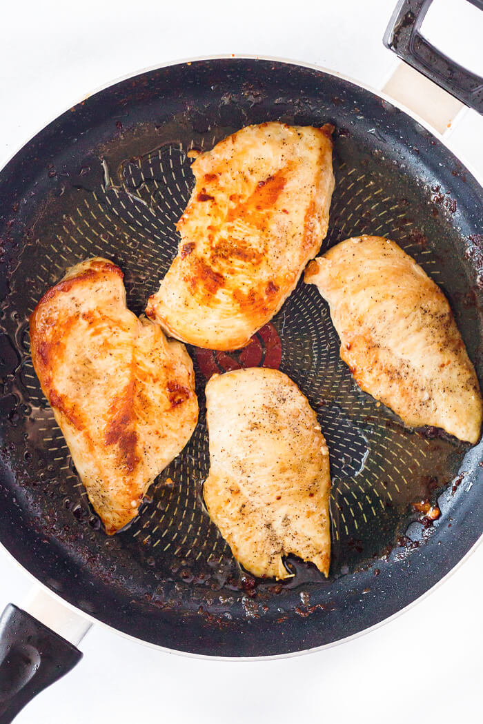 HOW TO COOK CHICKEN BREAST IN A PAN