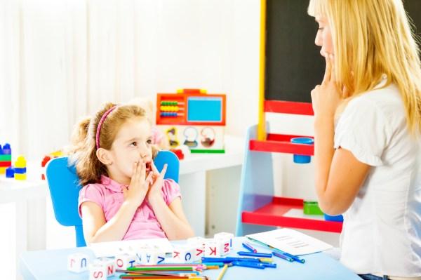 Когда ребёнку нужен логопед? | MamaMoldova