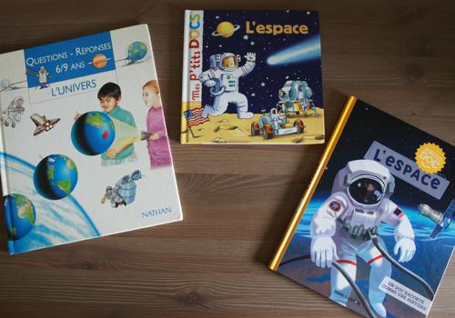 Sélection de livres pour enfant sur l'Espace.