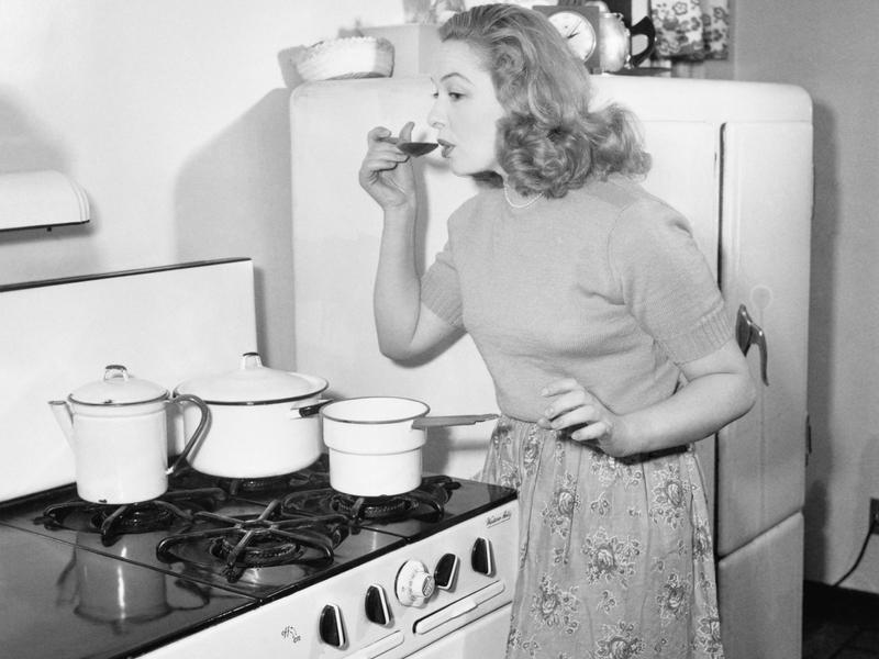 Le partage des tâches ménagères entre les femmes et les hommes régresse