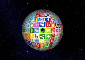 Les réseaux sociaux (source de l'image : http://pixabay.com/fr/boule-r%C3%A9seaux-internet-r%C3%A9seau-142738/)