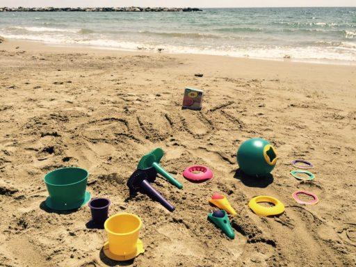 plage jouets quut