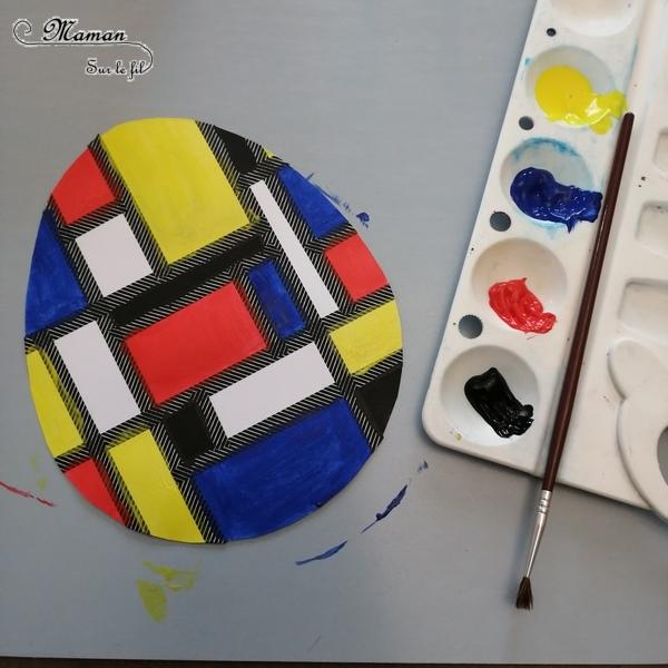 Activité créative enfants - Oeufs de Pâques à la façon de Mondrian - A la manière de - Peinture et coloriage au masking-tape - Géométrie - Perpendiculaires et parallèles - Travail sur les couleurs primaires - Découverte d'un artiste - technique Peinture ludique Utilisation de la règle - Bricolage de Pâques - Œufs décorés peints - Arts visuels maternelle ou cycle 2 - Chasse - mslf