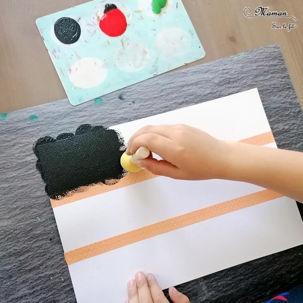 Activité créative enfants - Reproduire le drapeau kenyan en peinture au masking-tape et tampon rond, avec feuille de la nature pour le bouclier et dessin - Land Art - Technique ludique - Créativité - Afrique et Kenya - Découverte d'un pays - Espace et géographie - arts visuels et atelier maternelle et Cycle 1 et 2 - Eté - mslf