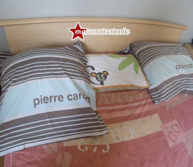 bébé dort avec ses parents