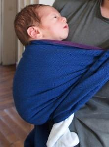 Le portage en écharpe : premier bilan
