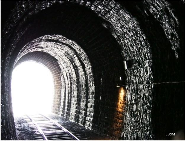 tunnel_train