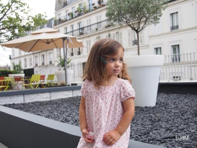 Apéro en famille sur la terrasse du Mercure Paris Montmartre Sacré coeur