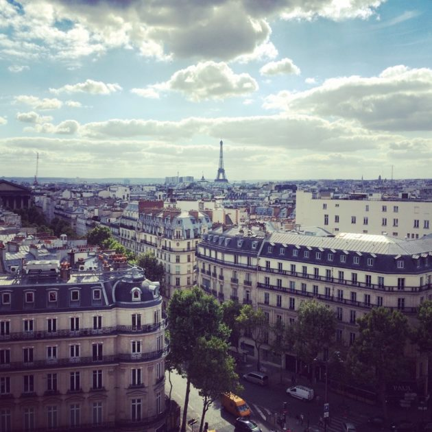 Paris terrasse Printemps