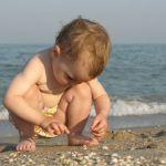 kleinkind_strand_sand_thinkstock