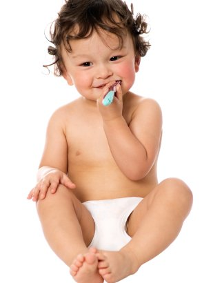 CDA-baby-brushing-teeth