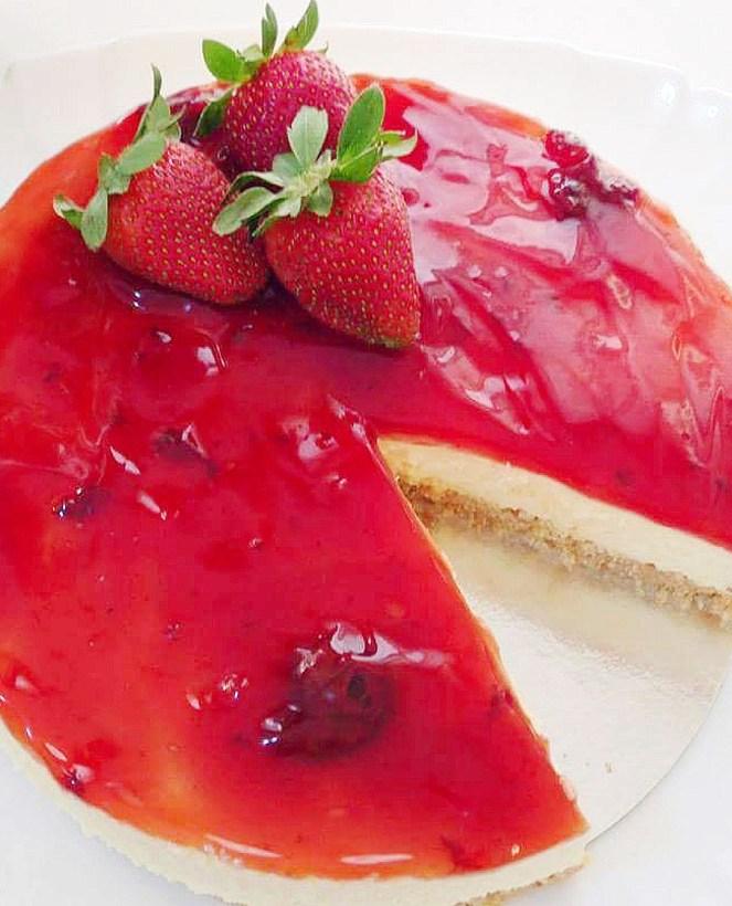 Strawberry Cheesecake (No Bake)