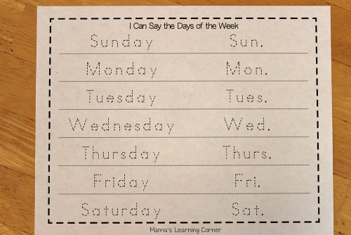 Kindergarten Calendar Notebook: Days of the Week