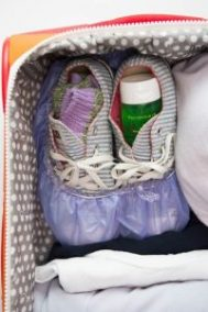 packing-hacks-shoes - cosmopolitain