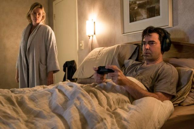 (l to r.) Charlize Theron as Marlo and Ron Livingston as Drew star in Jason Reitman's TULLY, a Focus Features release.