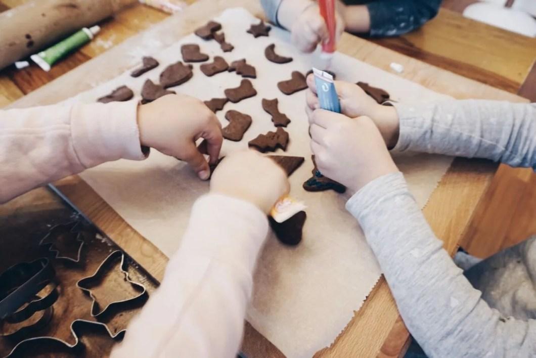 Indoor-Beschäftigungstipps für Kinder MamaWahnsinnHochDrei