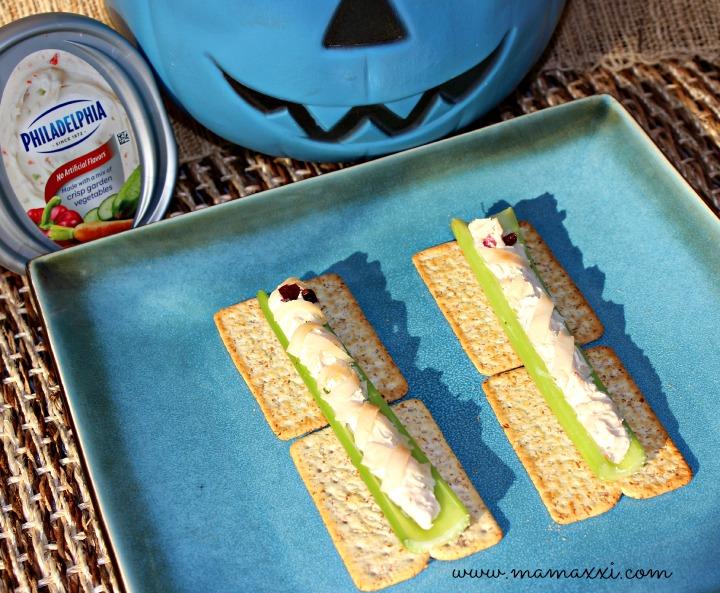 momias halloween de apio y queso