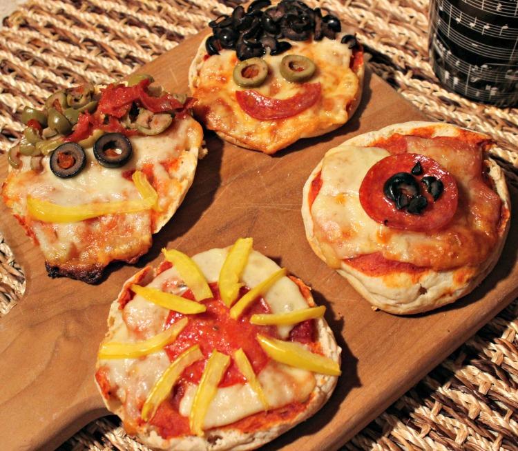 mini pizzas, pizzas individuales, niños, desayuno divertido