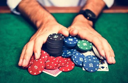 オンラインカジノで勝つなら低倍率に高額投資