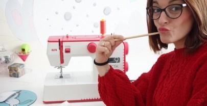 Iniciación a la costura – funcionamiento de la máquina de coser Alfa Practik 9: canilla, enhebrado, rematar costuras y puntadas recta y zigzag