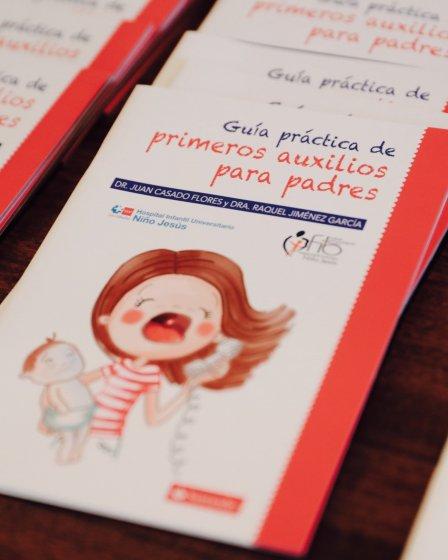 Guía de primeros auxilios que todos los padres tendrían que tener cerca.
