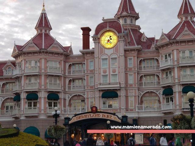 Hoteles en Disneyland París, ¿Dónde lo contratamos? ¿Cuánto nos costó? ¿Cuántos días estuvimos? ¿En qué hotel nos alojamos? Os cuento todos los detalles.
