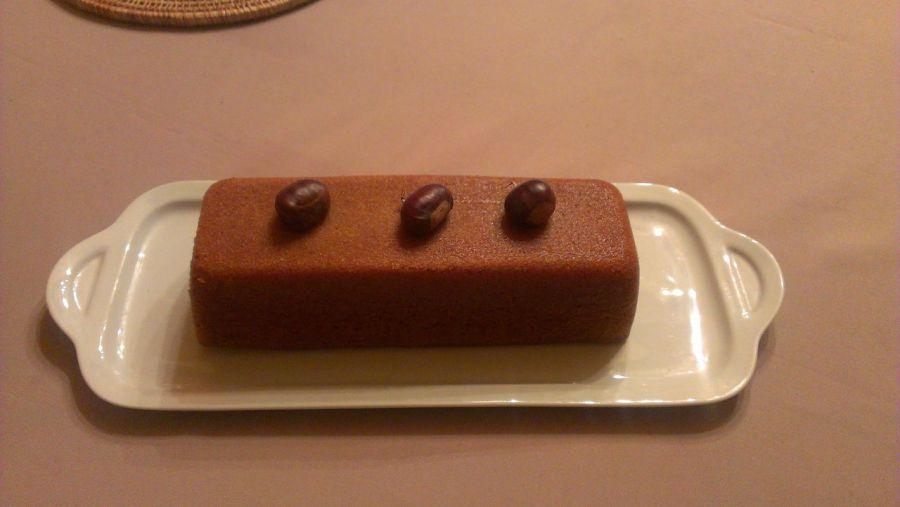 Gâteau à l'orange, écorce et jus, et à la crème de marrons.