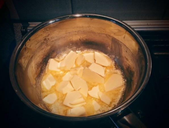 Faire fondre le beurre à feu doux