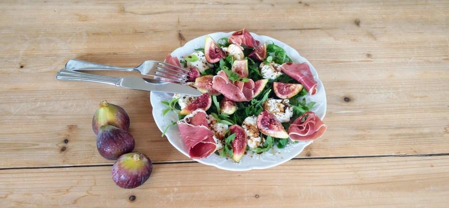salade figues fraîches jambon cru et mozzarella